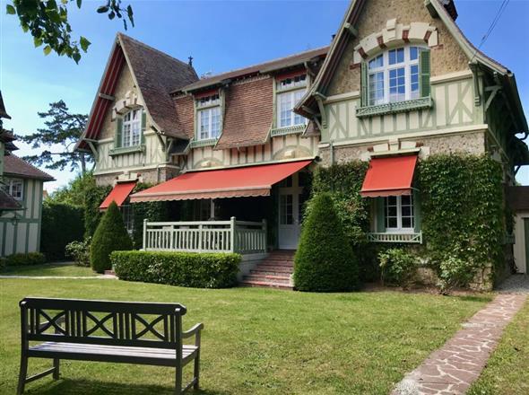 Maison à louer à Deauville