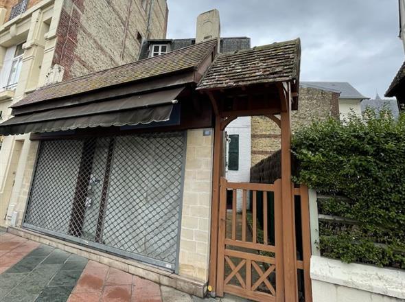 Maison et commerce au coeur de Deauville