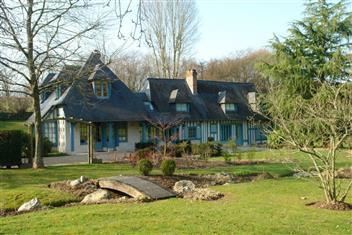 Eégante propriété à vendre à Bourgeauville
