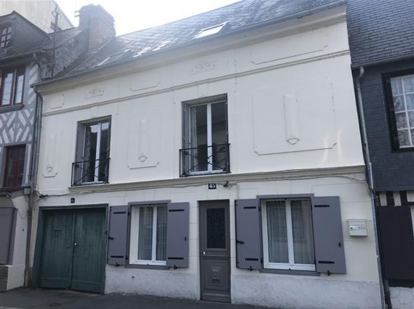 Charmante maison de ville au centre de Pont-l'Evêque