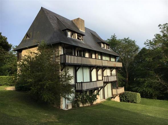 Duplex à vendre sur les hauteurs de Deauville
