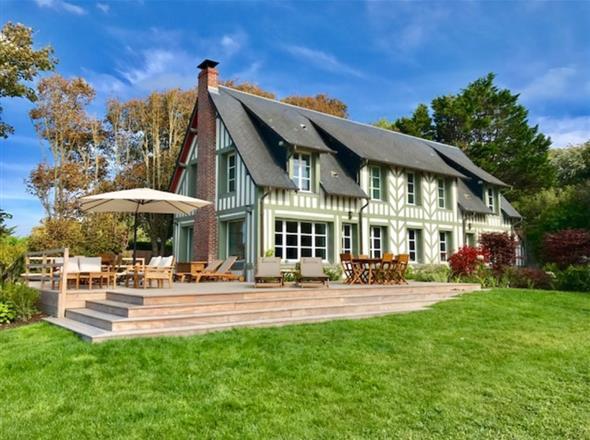 Villa luxe à louer à Benerville